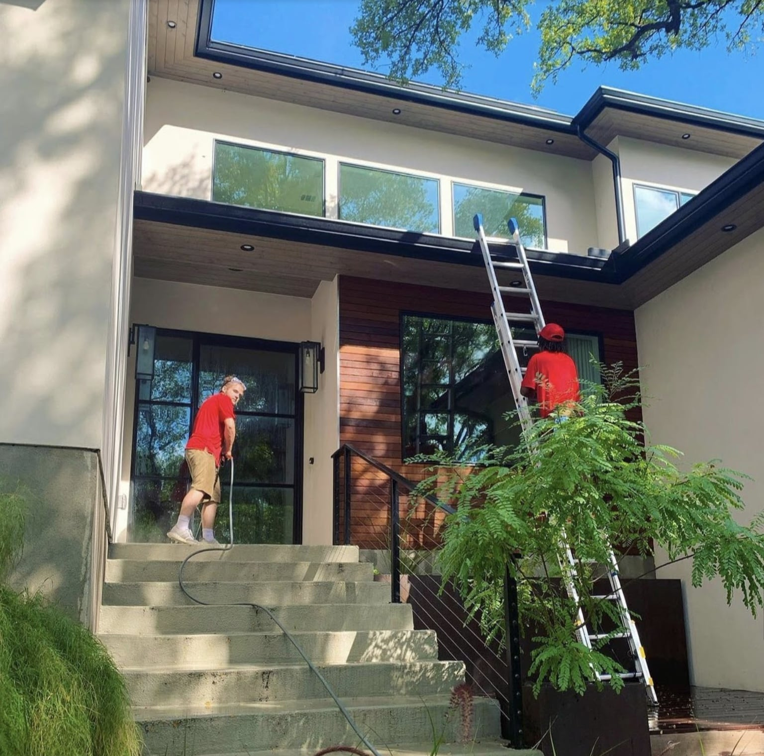 window and screen cleaning services for homes and businesses
